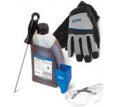 Zobrazit detail - Sada příslušenství Narex Start Kit pro řetězové pily (olej, rukavice, pilník, nálevka, brýle)