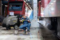 Profi vysokotlaký čistič s ohřevem vody Kärcher HDS E 8/16-4 M - 24kW, 300-760L, 45-85°C, 112kg, eco!efficiency (1.030-904.0)