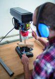 Scheppach DP 16 VL Stojanová - Stolní vrtačka s křížovým laserem - 500W, 16mm, 15.5kg (5906808901)