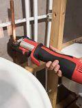 Aku hydraulický lis / krimpovací kleště Milwaukee M12 HPT-202C V-KIT2 - 2x aku 12V/2.0Ah, 19kN, 1.8kg, v kufru (4933459382)