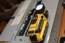 Aku svítilna DeWALT DCL044-XJ - 18V, 116lm, 0.6kg, bez akumulátoru a nabíječky