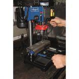 Scheppach DP 16 VLS Stojanová - Stolní vrtačka s křížovým laserem - 500W, 3-16mm, 17kg (5906810901)