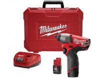 Milwaukee M12 BIW38-202C - 2x 12V/2.0Ah, 135Nm, 1kg, kufr, aku rázový utahovák