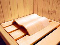 Podhlavník KARIBU ve tvaru vlny do sauny a infrasauny